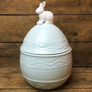 Arlington Designs Easter Bunny Ceramic Cookie Jar